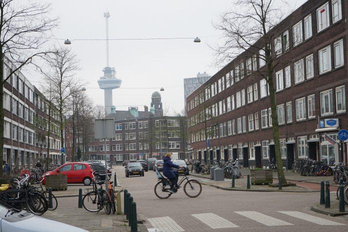 Rotterdam, zicht op Euromast ©MUG