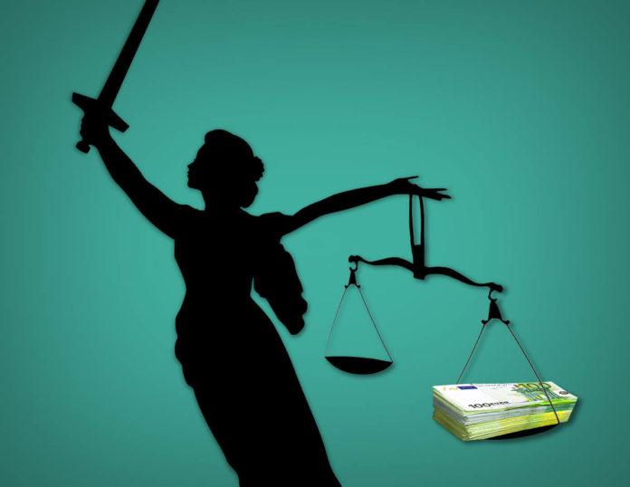 Vrouwe Justitia buigt naar het grote geld | @Erik Veld