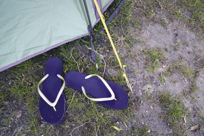 Slippers in het gras kan ook in Nederland | © Sodis Vita