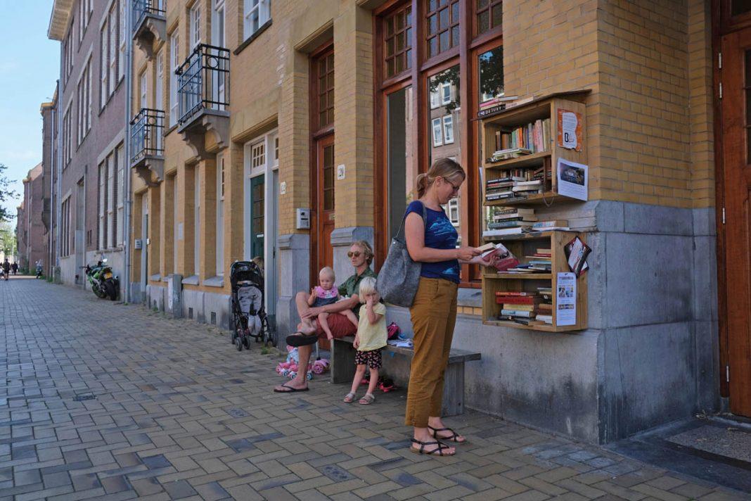 Het buurtboekenkastje in de Javastraat | © Sodis Vita