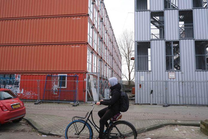 Ontmanteling studentenwoningen aan de Wenckebachweg | © Sodis Vita